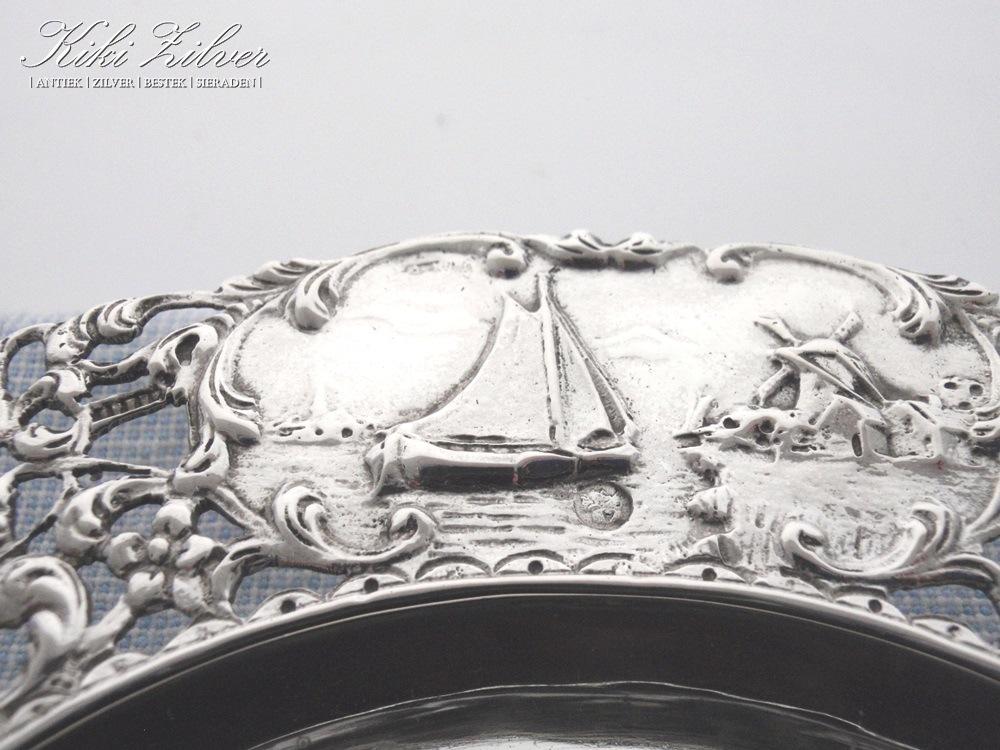 Zilveren antieke flessenbak 1917 kiki zilver for De pagter antiek interieur b v
