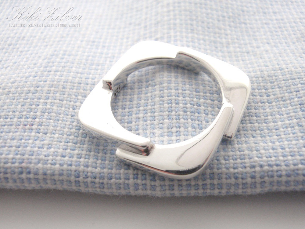 Bekend Moderne Zilveren Ring - Kiki Zilver &BA51