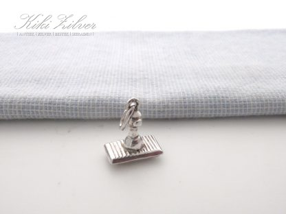 Zilveren bedel stempeltje love kiki zilver occsion sieraden